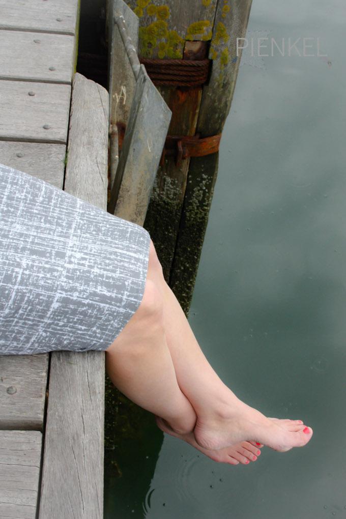 Pienkel Delia Creates Knit Pencil Skirt grey closeup