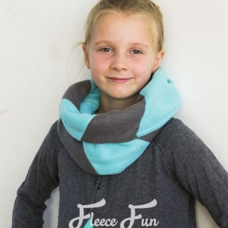 Colourblocked Cowl Tutorial and Free Pattern