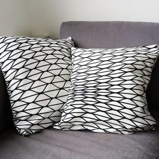 Super Simple Pillowcase Tutorial - Pienkel for Bernina